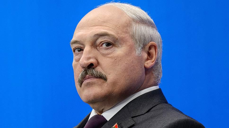 Лукашенко отметил работу совхоза, которым владеет косметическая фабрика